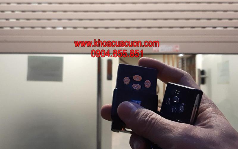 Đánh chìa khóa điều khiển cửa cuốn Austdoor