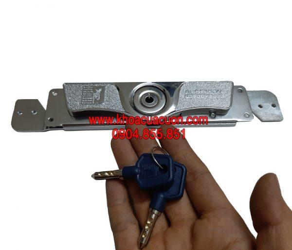 Khóa cửa cuốn Austdoor KH2 và 2 chìa đi kèm